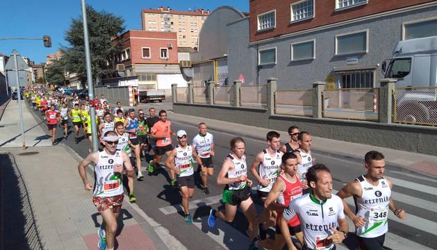 La carrera ha contado con cerca de 700 participantes.