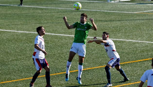Foto del un partido entre el San Juan y la Mutilvera.