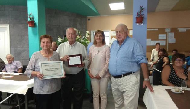 A la derecha, el médico José Luis López Orive junto a otros homenajeados este martes.