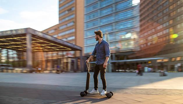 Foto del nuevo patinete eléctrico es la punta de lanza de la nueva ofensiva eléctrica y urbana de Audi.