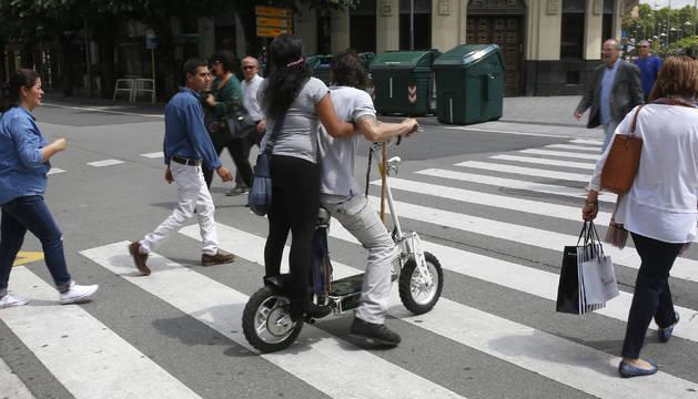 Las infracciones al desplazarse en un vehículo de movilidad personal son frecuentes en la ciudad.