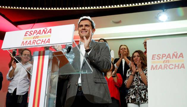 Ciudadanos levanta el veto a Sánchez en el estreno de la precampaña