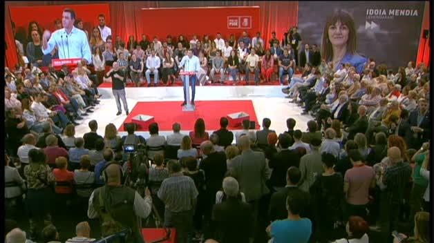 El presidente del Gobierno en funciones, Pedro Sánchez, interviene durante el acto de proclamación de la secretaria general del PSE-EE, Idoia Mendia, como candidata a lehendakari, en Barakaldo