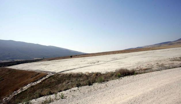 Vista de los terrenos reservados por Mancomunidad para construir en Imárcoain la planta de tratamiento de residuos.