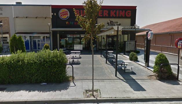 Roba a punta de pistola unos 750 euros en el Burger King de Tudela
