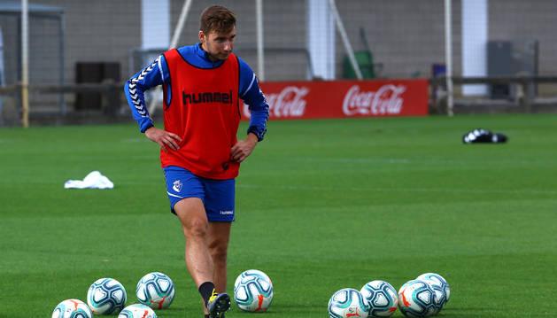 Jon Moncayola formará parte del once titular que se enfrente este jueves a la Real Sociedad.