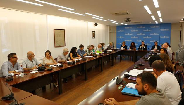 Sindicatos y Gobierno en una reunión de Mesa General.