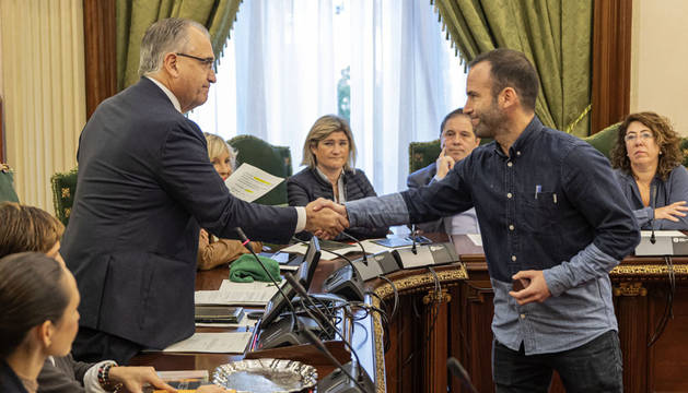 Borja Izaguirre toma posesión como concejal del Ayuntamiento de Pamplona