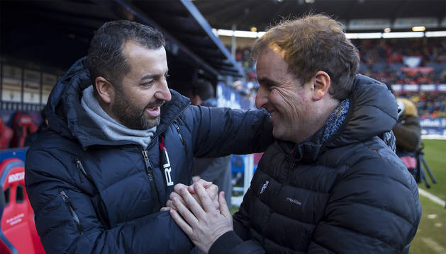 Diego Martínez y Jagoba Arrasate, la temporada pasada en el estadio de El Sadar.