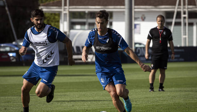 Foto de Iñigo Pérez en un entrenamiento reciente junto a Raúl Navas.