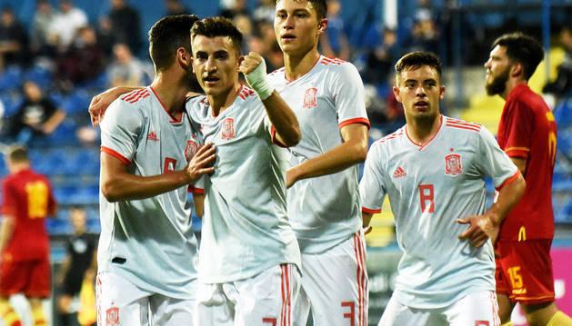Aitor Buñuel celebra el primer gol del partido ante Montenegro.