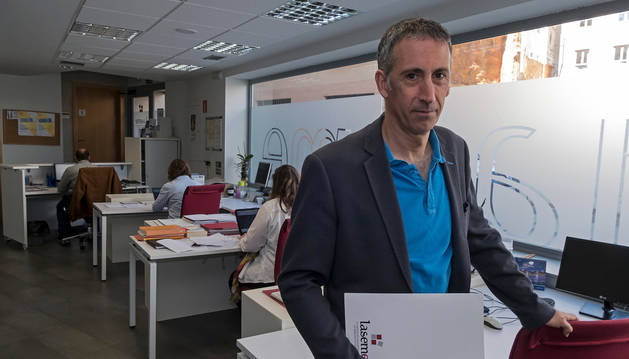 Foto de Guillermo Erice, en la sede de Laseme en la calle del Puy de Estella.
