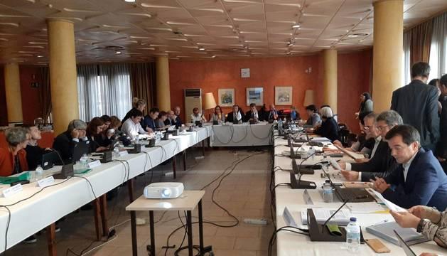 El comité de programación del POCTEFA 2014-2020, reunido el martes en Jaca.