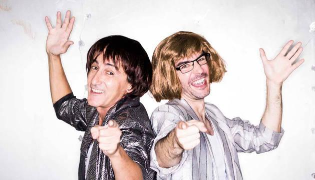 Foto de David Fernández y Juanra Bonet, en una imagen promocional del espectáculo 'Dos'.