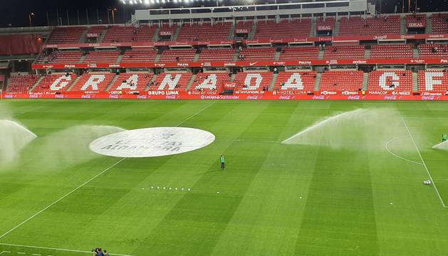 El estadio Nuevo Los Cármenes, minutos antes del comienzo del partido.