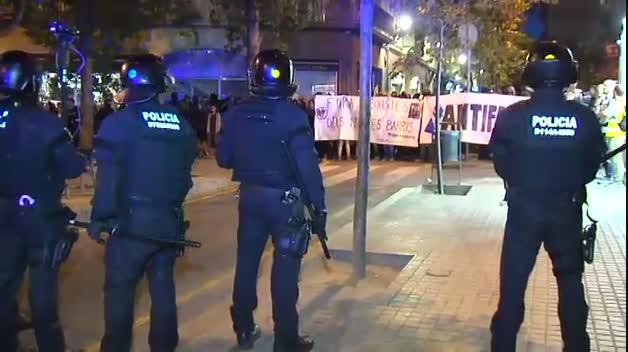 Enfrentamientos entre independentistas y ultras de extrema derecha en Barcelona