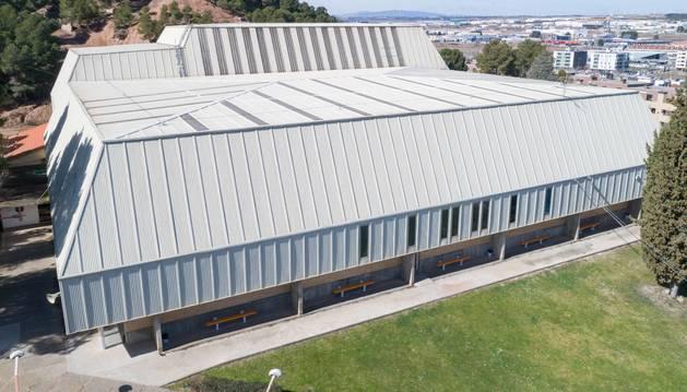 Imagen general de la cubierta del polideportivo Ciudad de Tudela, que ahora se va a reparar.