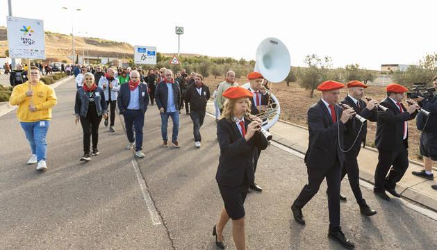 El consejero Aierdi y resto de autoridades en el arranque del Nafarroa Oinez 2019.