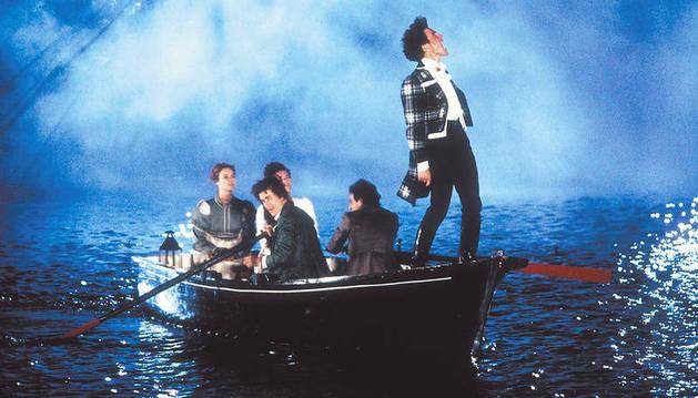 Fotograma de la película 'Remando al viento'.