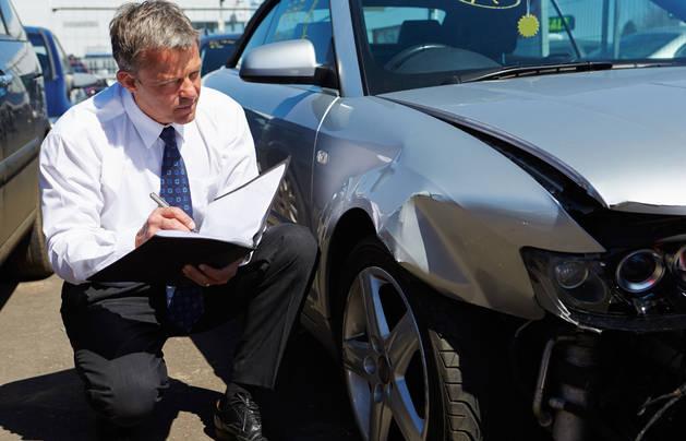 accidente vehículo trabajo seguros