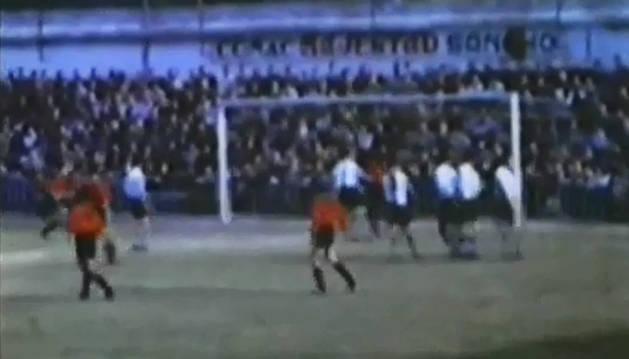 Fotograma del vídeo con una falta en ataque a favor del C.A: Osasuna.