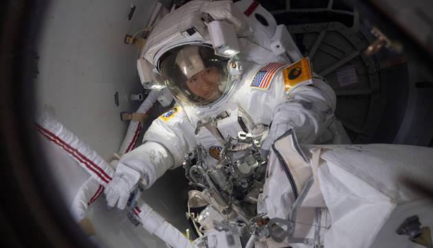 Una astronauta capta senderos de estrellas desde la Estación Espacial