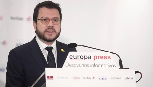Foto del vicepresidente del Govern y consejero de Economía y Hacienda, Pere Aragonès, interviene durante el Desayuno Informativo de Europa Press en Madrid a 24 de octubre de 2019.