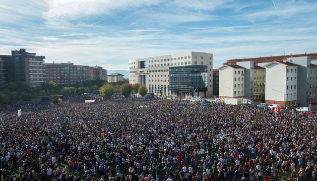 Miles de personas se concentran en Pamplona contra la sentencia de Alsasua