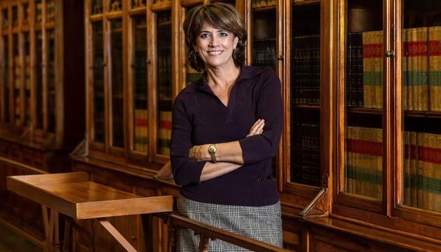 La ministra de Justicia en funciones, Dolores Delgado, en una entrevista con Efe tras ejercer como notaria mayor del Reino durante la exhumación en el Valle de los Caídos.