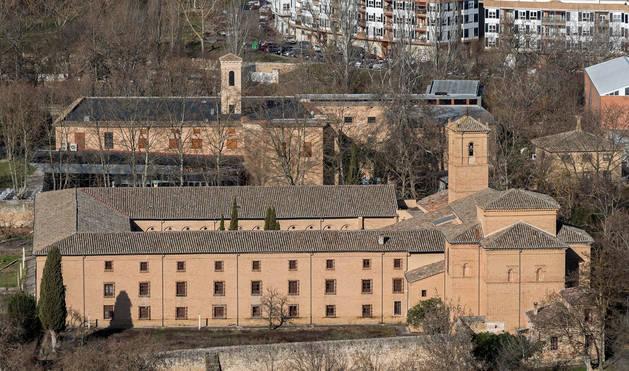 FOTO DE En primer término, el convento de Santa Clara. Detrás, el antiguo de San Benito convertido hoy en espacio cultural de la ciudad.