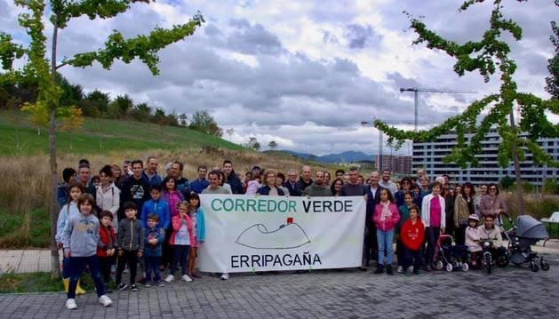 Los vecinos de Erripagaña se concentraron este sábado.