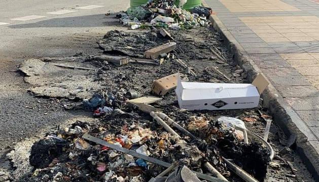 Foto de los restos del incendio.