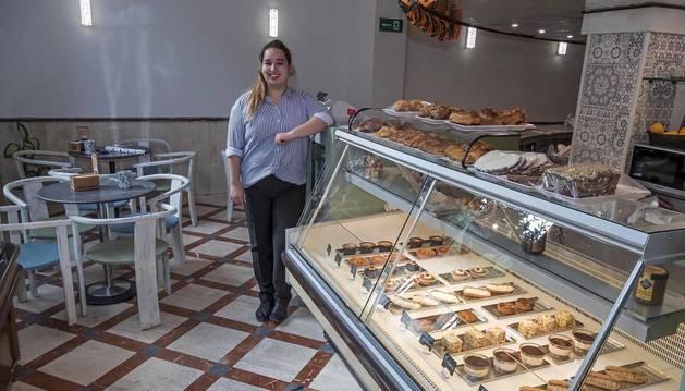 Sara Elkhalifi en la antigua Mallorquina de San Andrés, ahora Las delicias de Sara.