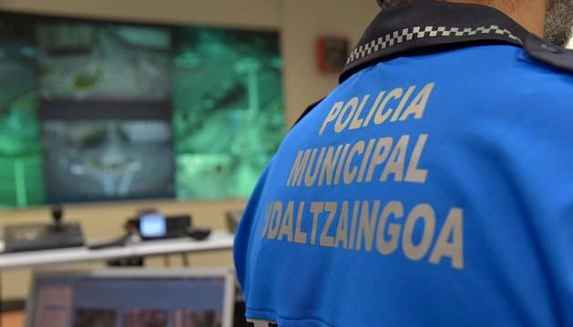 foto de Agentes de la Policía Municipal descubrieron al menor en un control de asistentes en un salón de juego