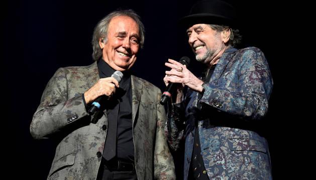 foto de Joaquín Sabina y Joan Manuel Serrat comenzaron su gira 'No hay dos sin tres', en el estadio Movistar Arena en Buenos Aires