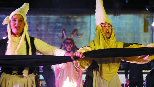 Detalle de la representación que se escenifica en Logroño con motivo del juicio de la Inquisición contra la brujería.