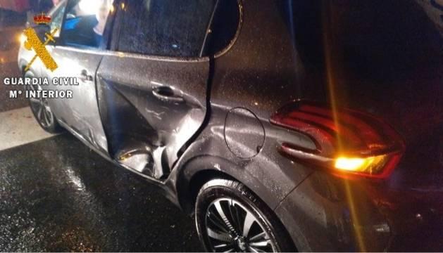 Golpe de uno de los vehículos involucrados en el choque.