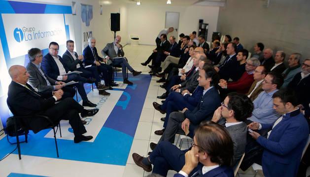 Ponentes y público participantes en el Foro DN en Vivo sobre el 10-N.