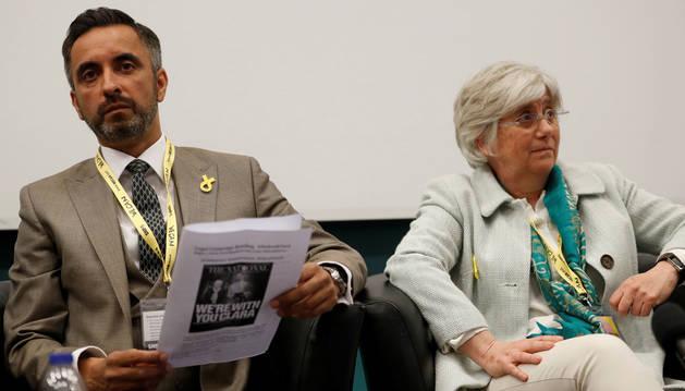 Foto de Carla Ponsatí y su abogado, Aamer Anwar, en junio de 2018.