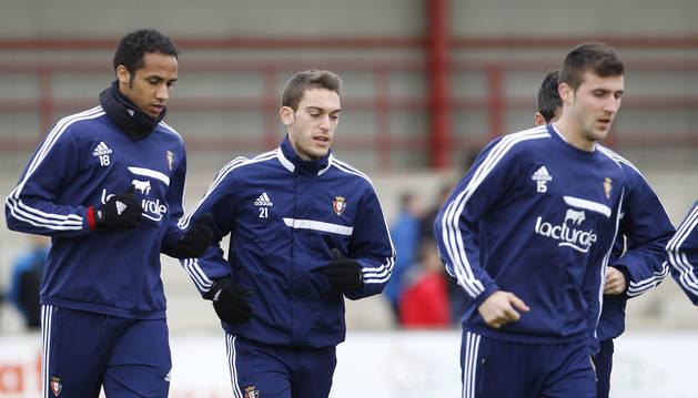 Roberto Torres, Manu Onwu y Oier, en un entrenamiento en la temporada 2013-14.