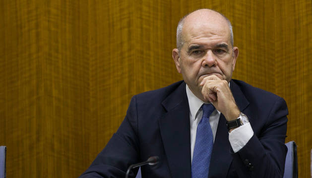 Griñán no acude a la comisión de la Faffe y Chaves se niega a declarar