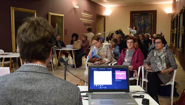 Foto de una conferencia anterior.