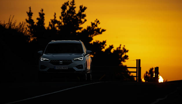 Foto de todos los vehículos nuevos ofrecen luces diurnas, que se activan siempre al arrancar el motor.