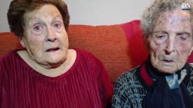 Madre e hija, unidas por dos citas históricas con la urna