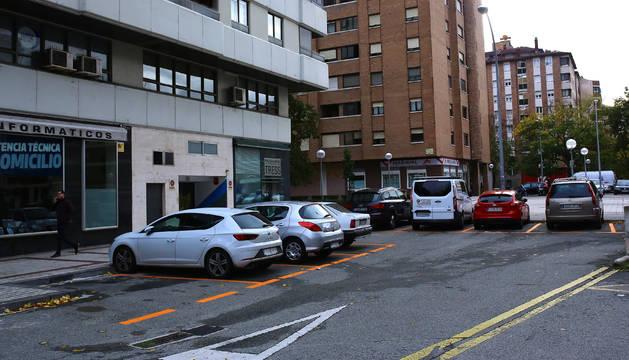 Foto de una de las bolsas de aparcamiento junto a Pío XII, convertida ahora en zona naranja.