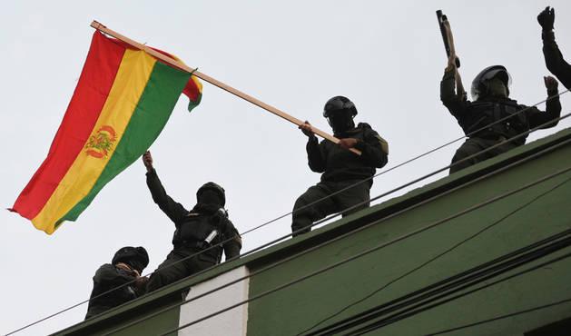 foto de La Policía Boliviana se ha amotinado en Cochabamba y otras regiones del país