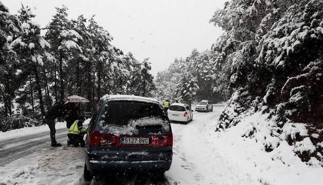 La nieve ha vuelto a Navarra en las últimas horas. La cota subirá en las próximas horas hasta los 1.200/1.000 metros.