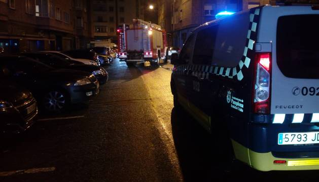 foto de Los bomberos tuvieron que acudir a la calle Esparza de Salazar nº1 del barrio de la Rochapea, donde se había producido el incendio