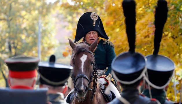 Oleg Sokolov, caracterizado como Napoleón, en un festival histórico en Moscú.