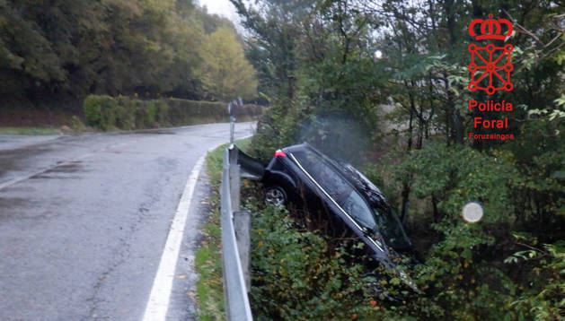 Foto del vehículo implicado en el accidente de este lunes en Atez.